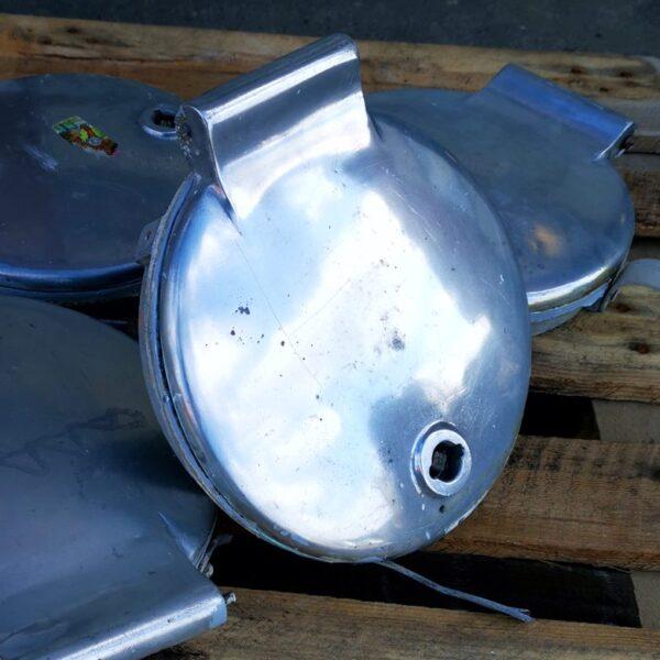 Skaktlåge i poleret aluminium Model Carol 250